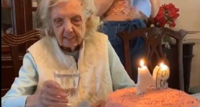 ВИДЕО: Весела бабичка го слави својот 94-ти роденден, а ова е нејзината желба