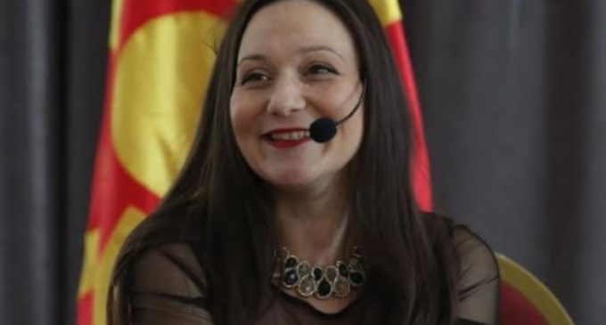 Рашела Мизрахи распали од македонското сообрание: Cите граѓани би имале поинаков Премиер на Република Македонија