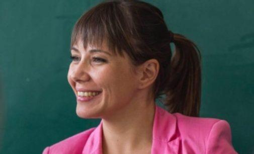 Се огласи пратеникот Апасиев за министерката Мила Царовска: Таква и е ѕвездата