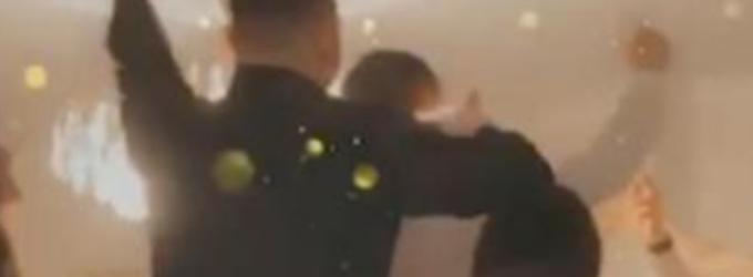 ВИДЕО: Вака се славеше во домот на Цеца за Нова Година, се пееле сите нејзини песни, Вељко на маса