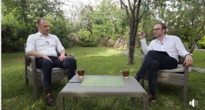ВИДЕО: Филипче гостин кај Жаре – Еден на Еден