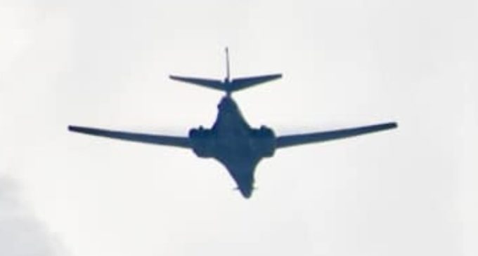 Шекеринска објави видео од прелет на двата авиони и им се заблагодари на сите кои што учествуваа во организацијата