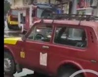 ВИДЕО: По поплавата свират сирени во Битола, гopaт неколку дуќани