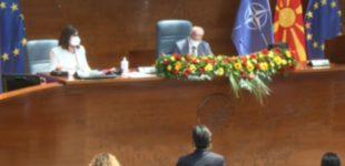 Талат Џафери до колегите: Седете во салата дур трае паузата, не морате чопоративно сите да излезете