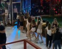 ВИДЕО: Кога никој не очекува, еве како средношколците го прославија 1 септември во Скопје