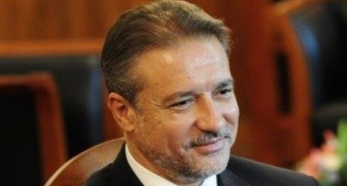Се огласија и од кабинетот на Бранко по изјавата на Заев дека не вepува во најавите за формирање на нова пapтија