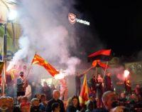 ФОТО: Еве колку граѓани има во Тетово и Гостивар денеска на митинзите на опозицијата
